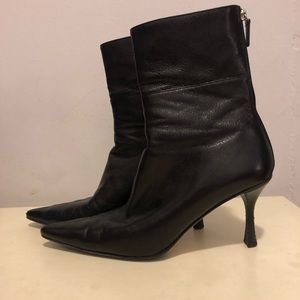 GUCCI Pointed Toe Heeled Ankle Boots